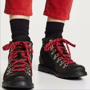 NEW Sorel Ainsley conquest boot suede laced